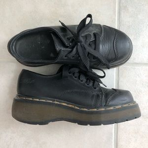 Vintage lace up Dr Martens. Size 5